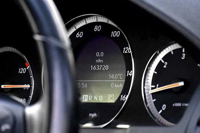 car-2169456_640
