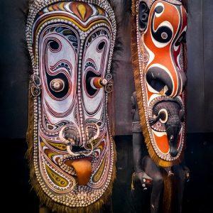 Maski z drewna